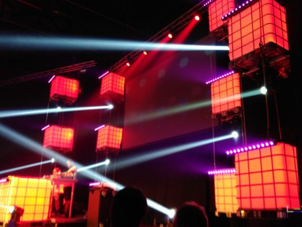 Pure_Urban_Indoor_Festival-ledtanks_IBC_decor-djmeubel-ledtank.nl_6
